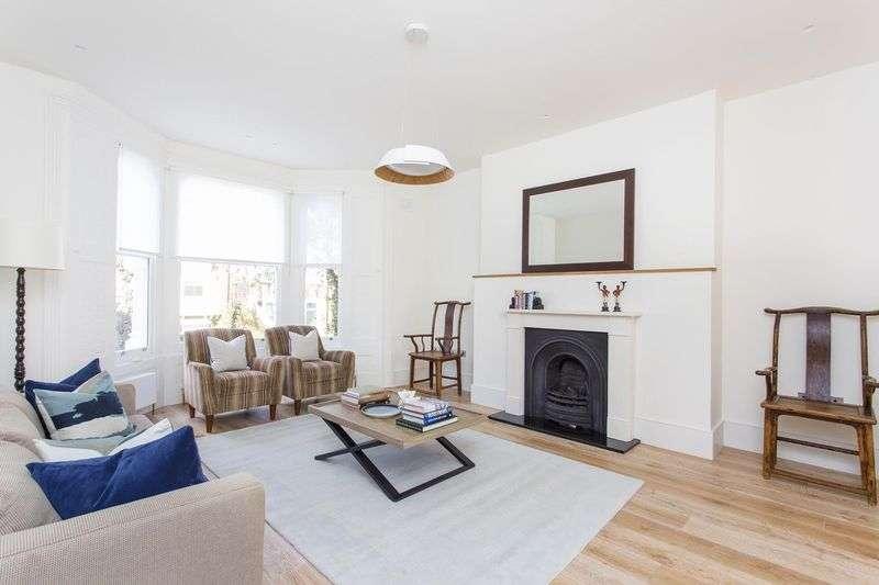 3 Bedrooms Flat for sale in Cromwell Avenue, Highgate Village, N6