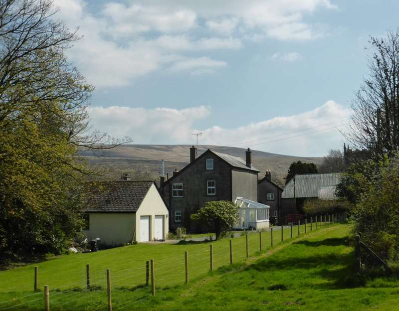 4 Bedrooms Detached House for sale in Belstone