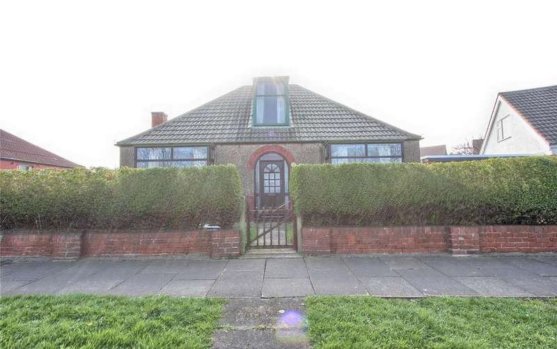 3 Bedrooms Detached Bungalow for sale in The Crescent, Redcar