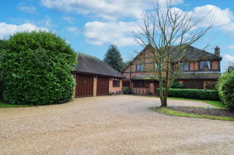 4 Bedrooms Detached House for sale in Norland Drive, Flackwell Heath, HP10