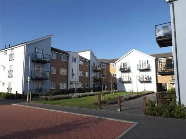 2 Bedrooms Flat for sale in Ordnance Court, Artillery Avenue, Shoeburyness, SOUTHEND-ON-SEA, Essex