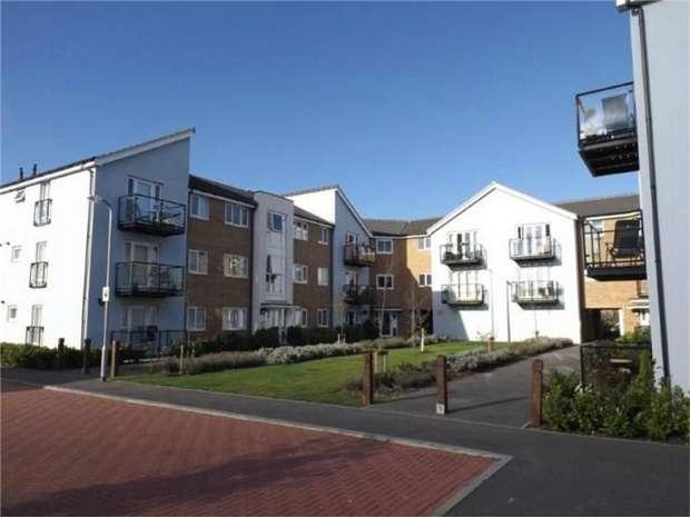 2 Bedrooms Flat for sale in Ordnance Court, Artillery Avenue, Shoeburyness, SOUTHEND-ON-SEA, Essex