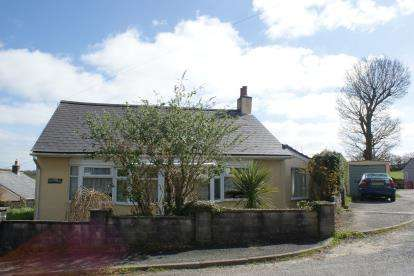 2 Bedrooms Bungalow for sale in Lower Tremar, Liskeard, Cornwall