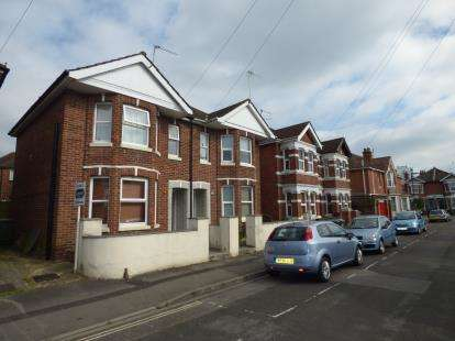 5 Bedrooms Semi Detached House for sale in Polygon, Southampton, Hampshire