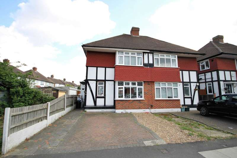 3 Bedrooms Semi Detached House for sale in Kingsbridge Road, Morden