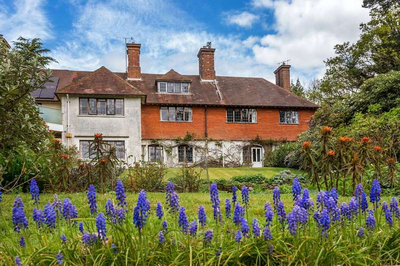 5 Bedrooms Semi Detached House for sale in Limpsfield, Surrey