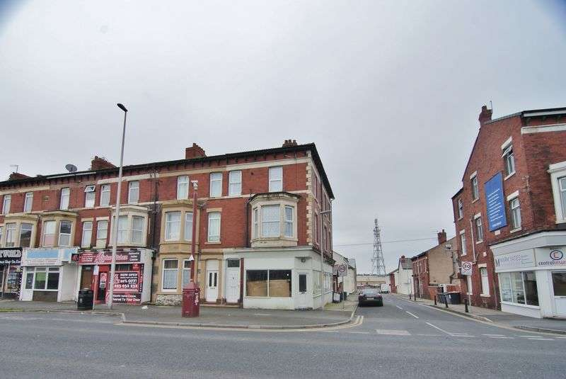 4 Bedrooms Flat for sale in Central Drive, Blackpool, FY1 5ED