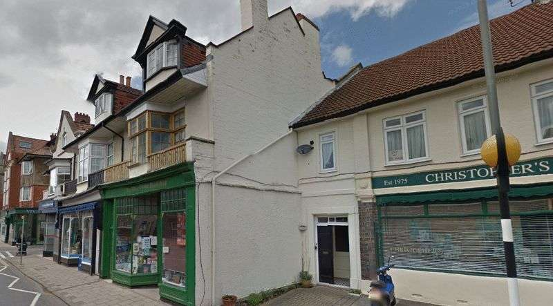 4 Bedrooms Flat for rent in North View, Westbury Park, Bristol