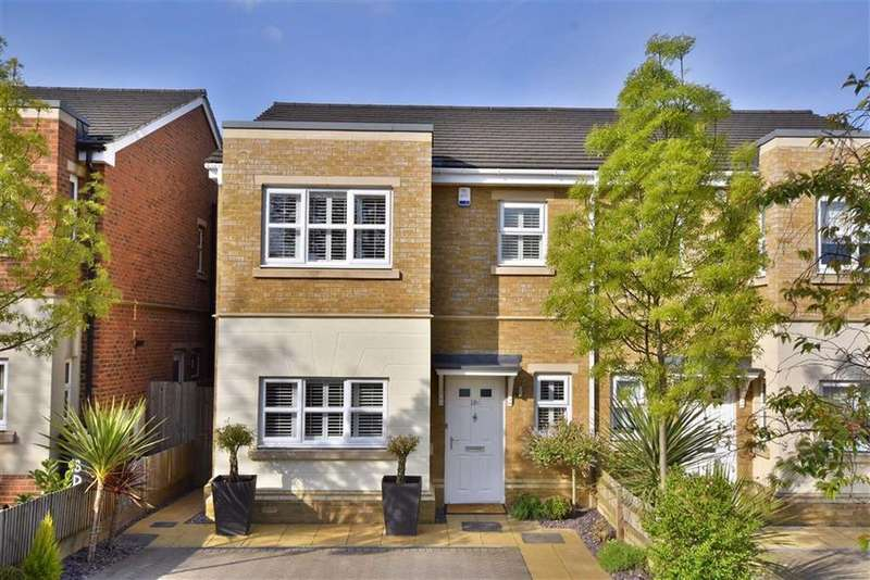 3 Bedrooms Semi Detached House for sale in Farleigh Avenue, Hayes, Kent