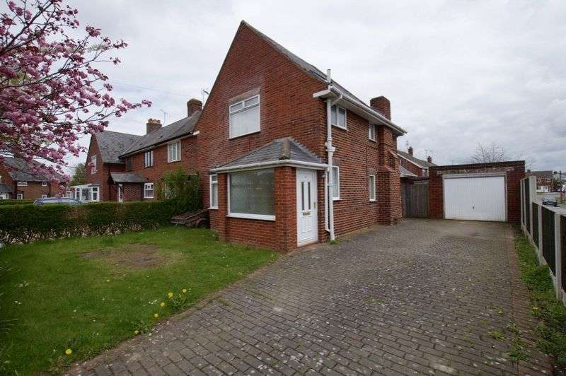 3 Bedrooms Terraced House for sale in Watts Dyke Way, Garden Village, Wrexham