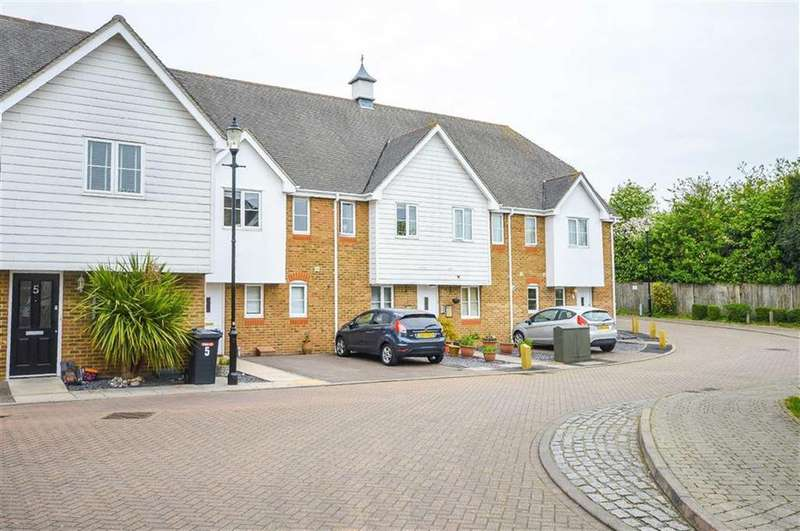 2 Bedrooms Flat for sale in Millbrook Court, Ware, Hertfordshire, SG12