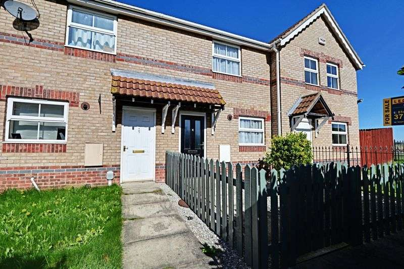 2 Bedrooms Terraced House for sale in Blackhall Close, Kingswood