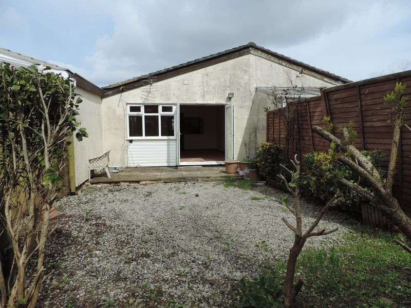 2 Bedrooms Bungalow for sale in Mount Hawke, Nr. Truro