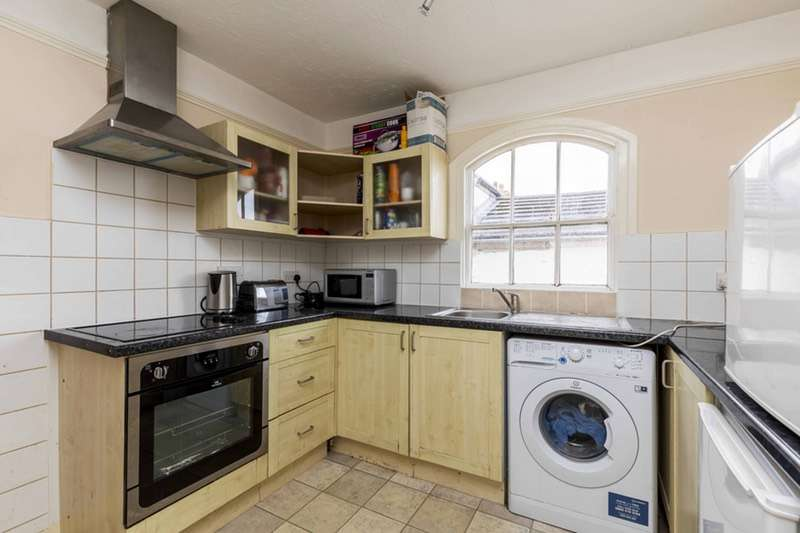 1 Bedroom Flat for sale in Havelock Close, Felpham, West Sussex, PO22