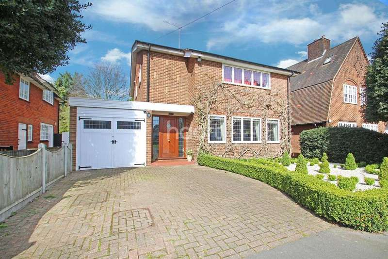 3 Bedrooms Detached House for sale in Meadway, Gidea Park