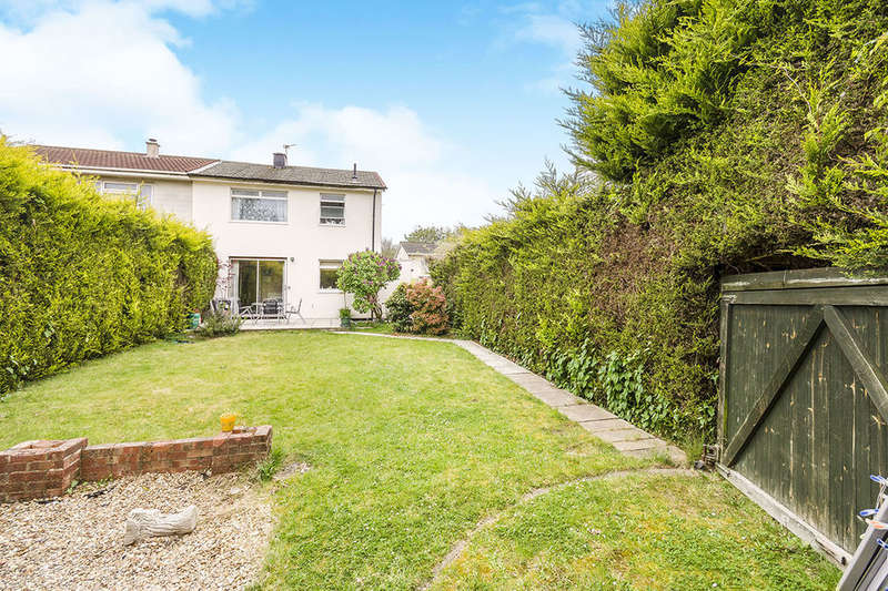 3 Bedrooms Semi Detached House for sale in Elgar Road, Southampton, SO19