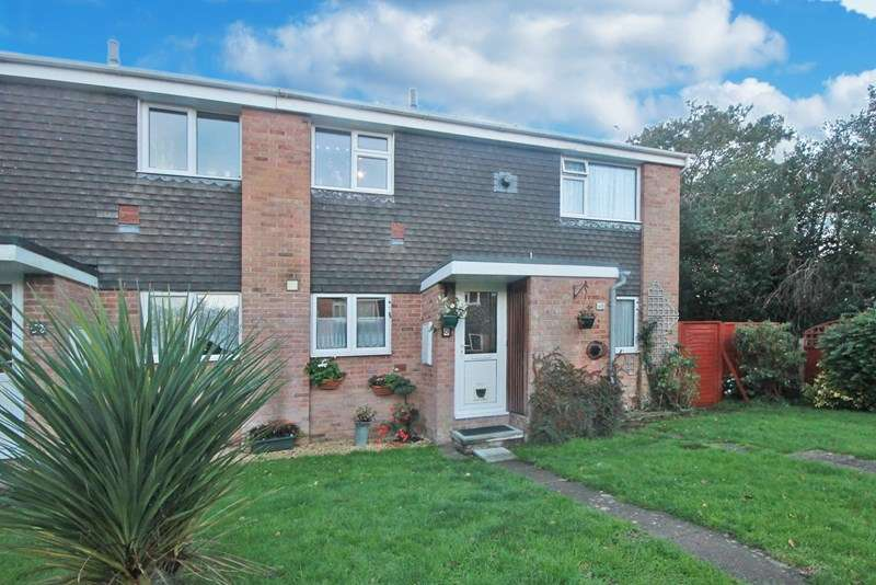 2 Bedrooms Flat for sale in Pittmore Road, Burton, Christchurch