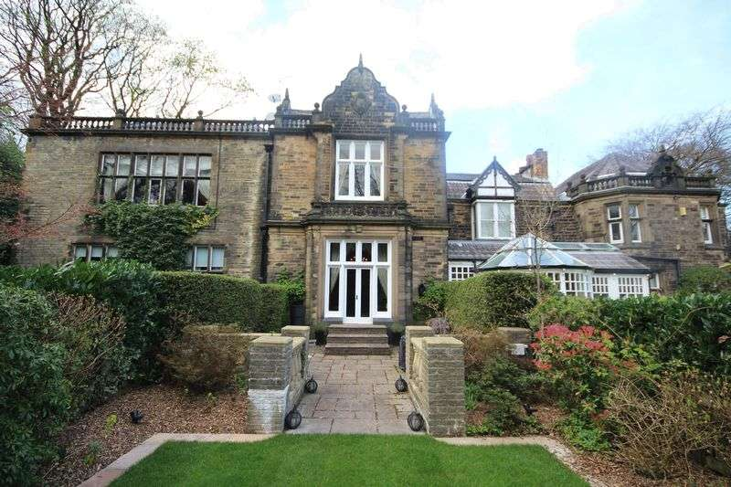 4 Bedrooms House for sale in BEAUMONDS, Bamford, Rochdale OL11 5HN
