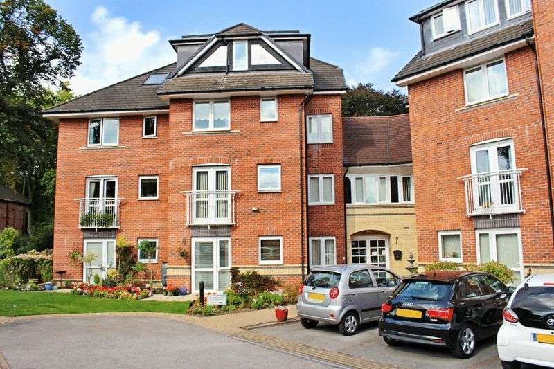 2 Bedrooms Retirement Property for sale in St Clement Court, Manchester, M41 9JE