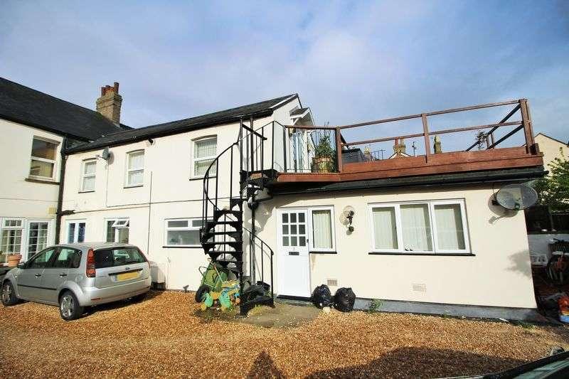 3 Bedrooms Flat for sale in Ingram Street, Huntingdon, Cambridgeshire.