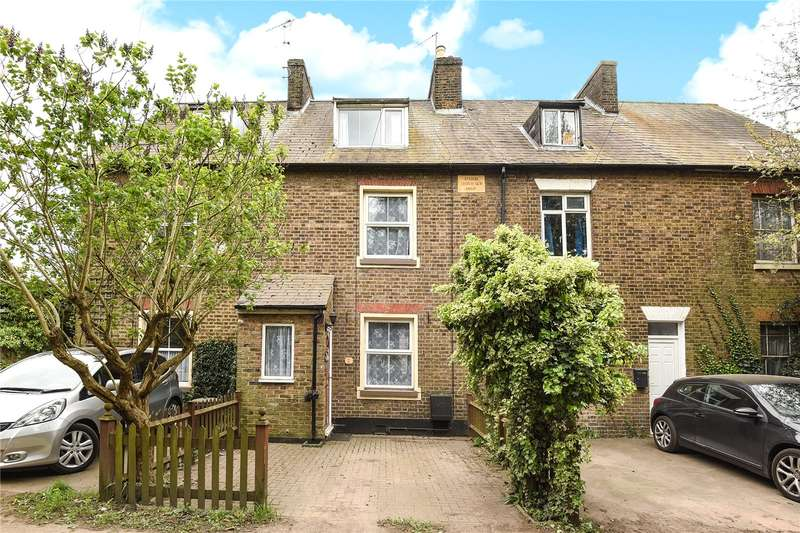 3 Bedrooms Terraced House for sale in Park Road East, Uxbridge, Middlesex, UB10