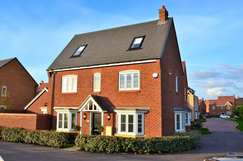 4 Bedrooms Detached House for sale in Baldwin Walk, Kempston
