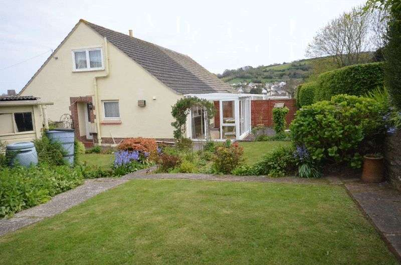 3 Bedrooms Semi Detached Bungalow for sale in LONGCROFT AVENEUE, BRIXHAM