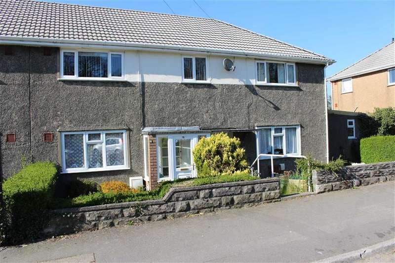 2 Bedrooms Flat for sale in Caergynydd Road, Waunarlwydd