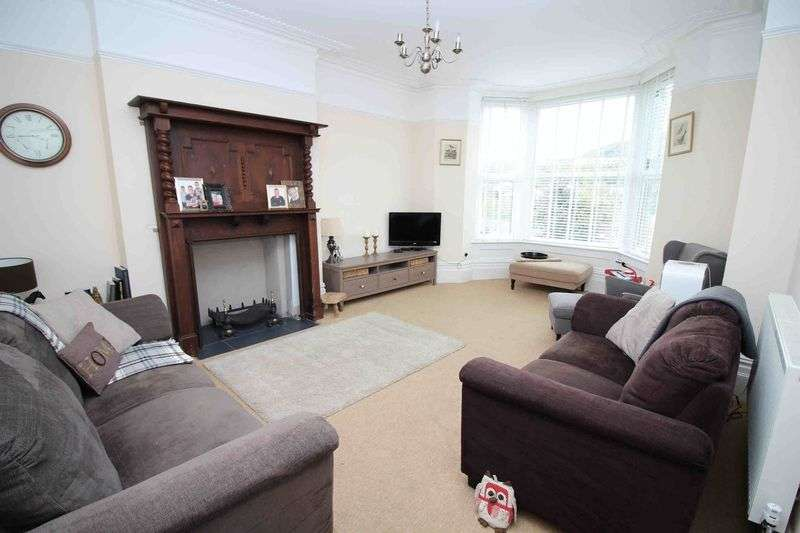 6 Bedrooms Semi Detached House for sale in Merthyr Road, Pontypridd CF37 4DD