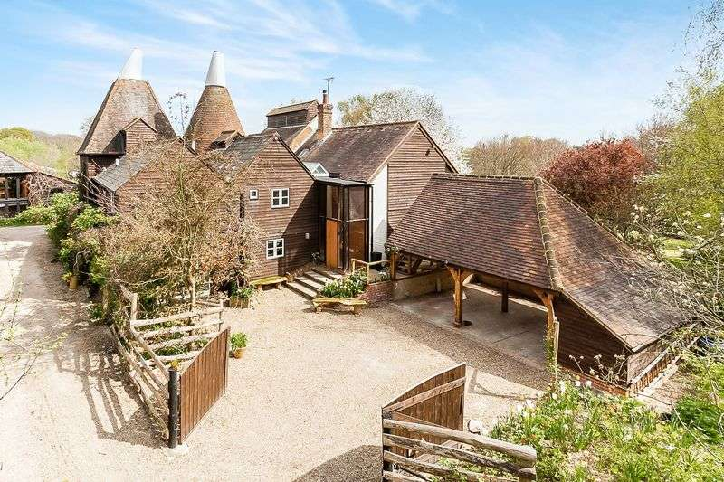 6 Bedrooms Detached House for sale in Egypt Oast, Cryals Road, Brenchley