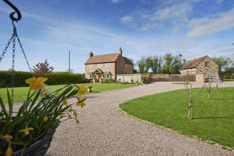 6 Bedrooms Detached House for sale in Stock Green, Worcestershire