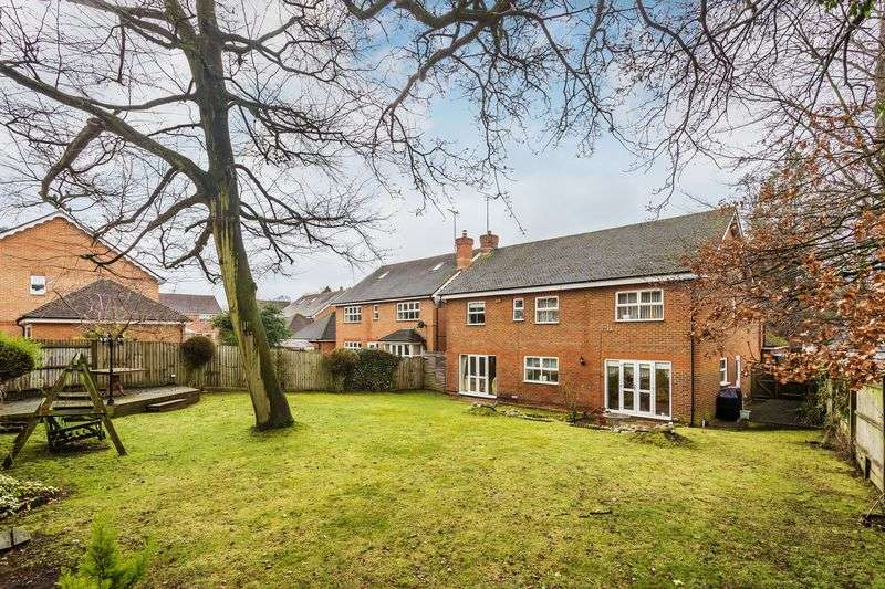5 Bedrooms Detached House for sale in Ashtead