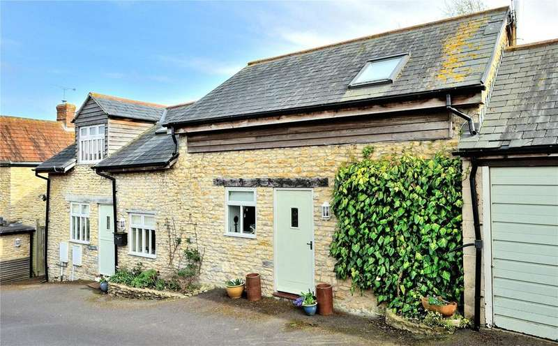 3 Bedrooms Barn Conversion Character Property for sale in Higher Kingsbury, Milborne Port, Sherborne, Dorset