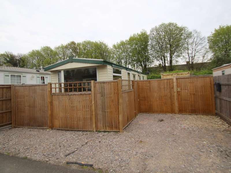 2 Bedrooms Mobile Home for sale in New Road, Rustington