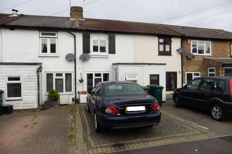 2 Bedrooms Cottage House for sale in Staveley Road, Ashford, TW15