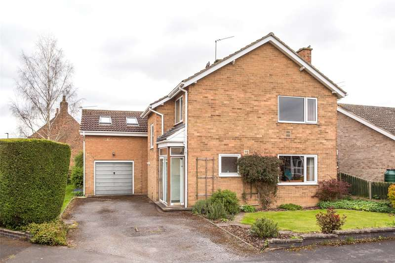 4 Bedrooms Detached House for sale in St. Marys Close, Strensall, York, YO32