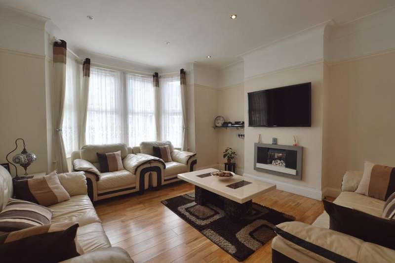 3 Bedrooms Terraced House for sale in Stillness Road London SE23