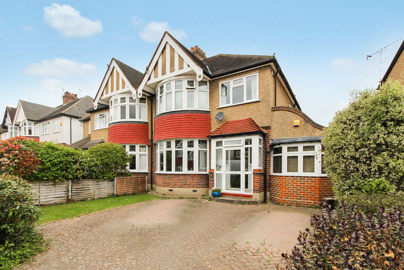 3 Bedrooms Semi Detached House for sale in Kings Drive, Surbiton