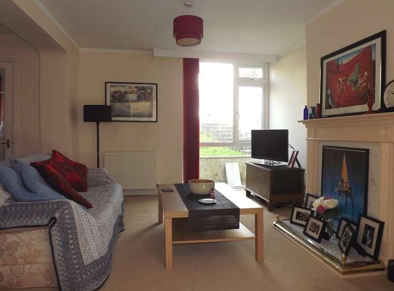 3 Bedrooms Terraced House for sale in Queensway, Chelston, Torquay