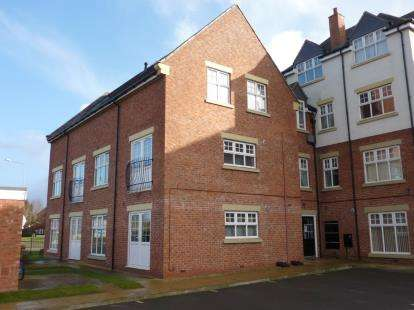 1 Bedroom Flat for sale in Apt Roebuck Close, Uttoxeter, Staffordshire