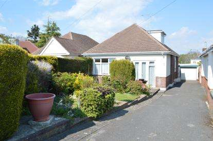 3 Bedrooms Bungalow for sale in Northbourne, Bourenmouth, Dorset