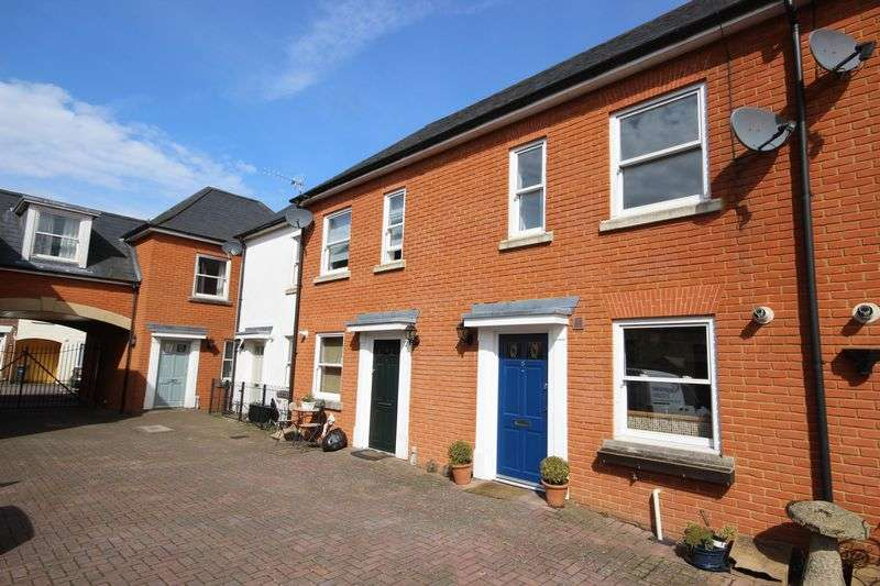 3 Bedrooms Terraced House for sale in ST CLEMENTS MEWS, SALISBURY, SP2