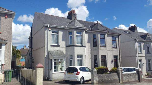 3 Bedrooms Semi Detached House for sale in West Down Road, Plymouth, Devon