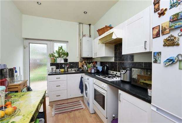 2 Bedrooms Terraced House for sale in Spencer Road, Mitcham, Surrey, CR4