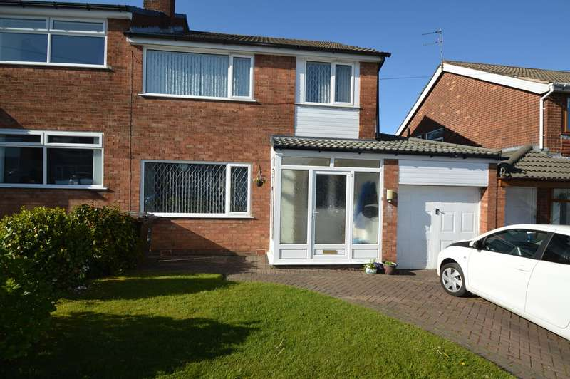 3 Bedrooms Semi Detached House for sale in Linksway Drive, Unsworth, Bury, BL9