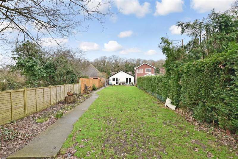4 Bedrooms Bungalow for sale in Tally Ho Road, Shadoxhurst, Ashford, Kent