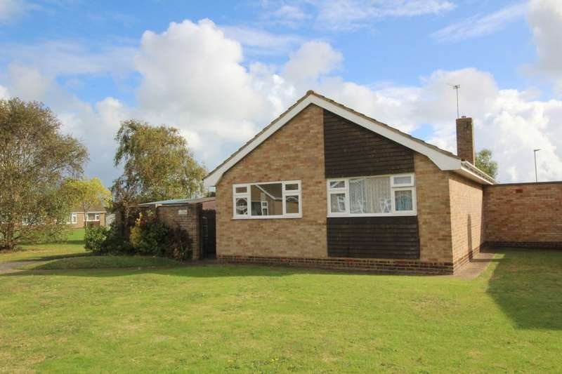 2 Bedrooms Detached Bungalow for sale in Chaucer Walk, Eastbourne, BN23