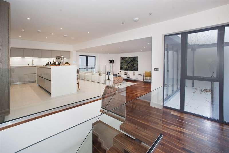 5 Bedrooms Mews House for sale in Townhouse Mews, Shepherd's Bush