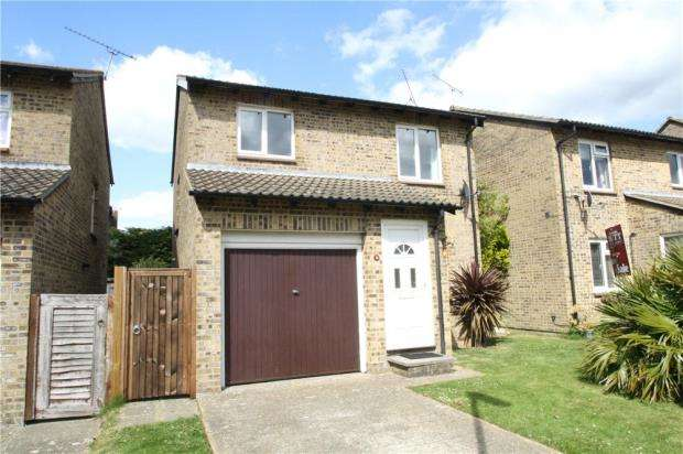 3 Bedrooms Detached House for sale in Genoa Close, Littlehampton, West Sussex, BN17