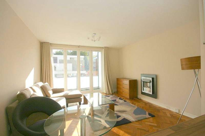 1 Bedroom Flat for sale in Cleveland Court, Spring Grove Road, Richmond, Surrey, TW10